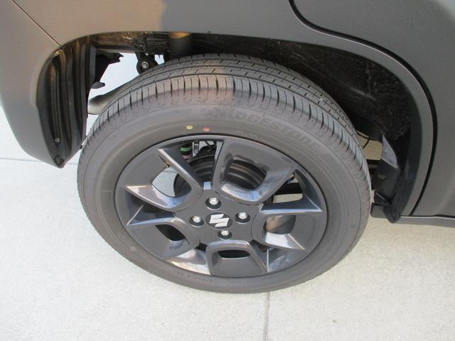 16インチアルミホイール装着/タイヤ溝も十分あります。