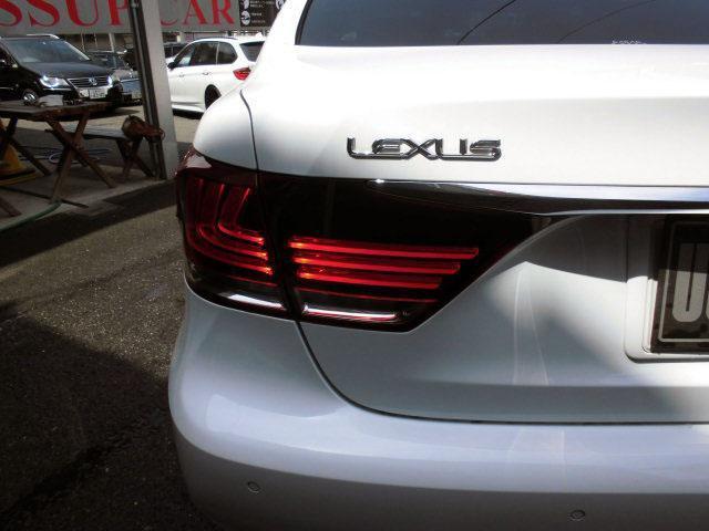 レクサス LS LS460 Fスポーツ サンルーフ 革シート