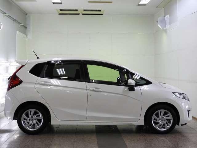 ☆ようこそ HondaCars広島 オートテラス祇園へ☆ この度は弊社在庫車両をご覧いただきましてありがとうございます。当社新車拠店からのデモカー等 上質車を選んで展示しております。