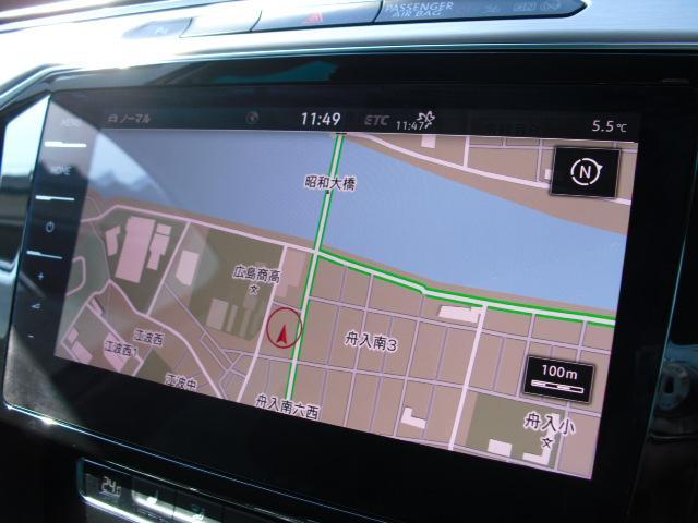 DISCOVER PRO装着車両です。スマートフォン感覚で操作が可能なインターフェイスが特徴で、CD/SD/DVD再生はもちろん、音楽の録音やBLUETOOTHにも対応しています。