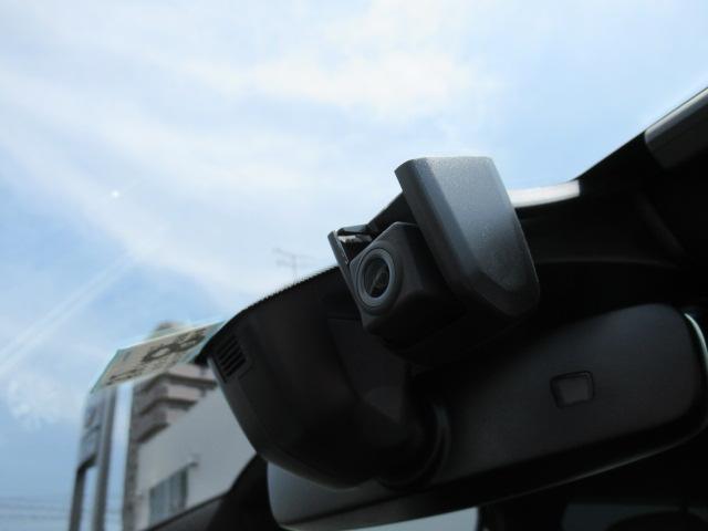 R 純正ナビ デジタルメーター Bカメラ LED 認定中古車(14枚目)