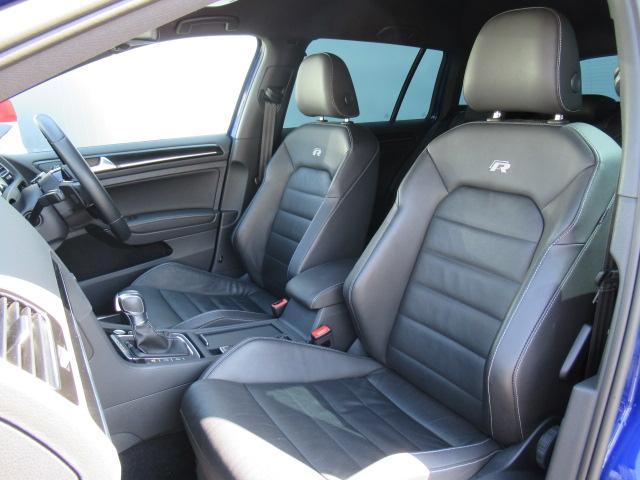 (運転席/助手席)安全装備をオプションで追加するのは日本的発想。フォルクスワーゲン車はサイドエアバッグを全車標準で装備しております。