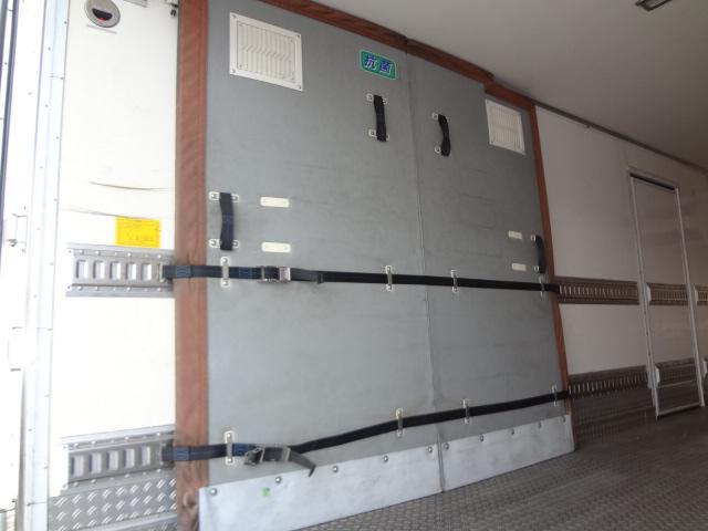 冷蔵冷凍車 低温-30℃ 仕切り有 ベット付き エアサス(15枚目)