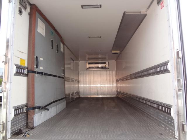 冷蔵冷凍車 低温-30℃ 仕切り有 ベット付き エアサス(18枚目)
