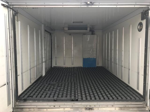 冷蔵冷凍車 中温-7℃ 5速ミッション(10枚目)
