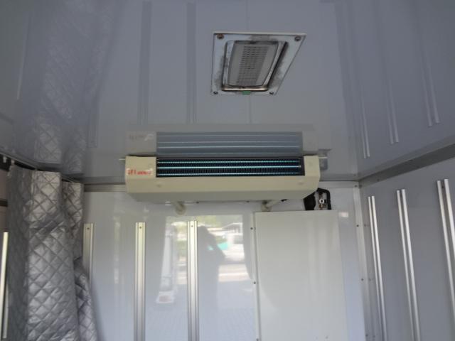 冷蔵冷凍車 低温-22℃ 5速ミッション(12枚目)