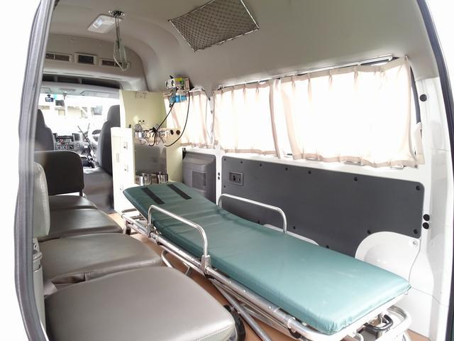 SロングDX スーパーロングボディ ハイルーフ ディーゼルターボ 特装救急車 4WD 医療法人1オーナー 禁煙車 走行23.000km 実走行車 ツインAC パトライト パワーアンプ マイク ボンドメーター(18枚目)