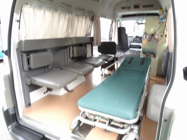 SロングDX スーパーロングボディ ハイルーフ ディーゼルターボ 特装救急車 4WD 医療法人1オーナー 禁煙車 走行23.000km 実走行車 ツインAC パトライト パワーアンプ マイク ボンドメーター(19枚目)