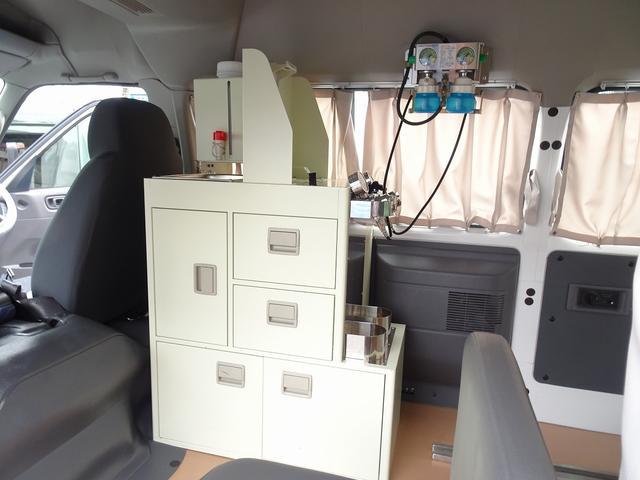 SロングDX スーパーロングボディ ハイルーフ ディーゼルターボ 特装救急車 4WD 医療法人1オーナー 禁煙車 走行23.000km 実走行車 ツインAC パトライト パワーアンプ マイク ボンドメーター(21枚目)