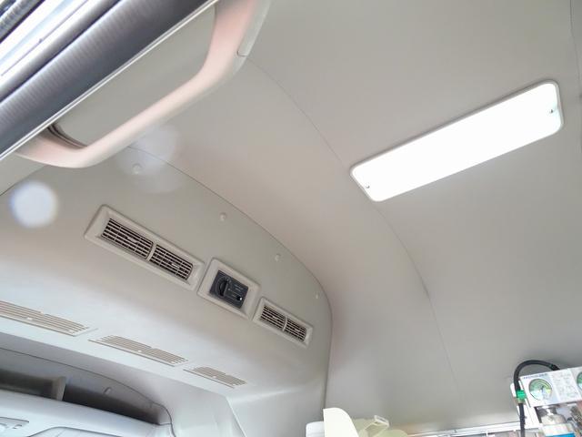 SロングDX スーパーロングボディ ハイルーフ ディーゼルターボ 特装救急車 4WD 医療法人1オーナー 禁煙車 走行23.000km 実走行車 ツインAC パトライト パワーアンプ マイク ボンドメーター(28枚目)