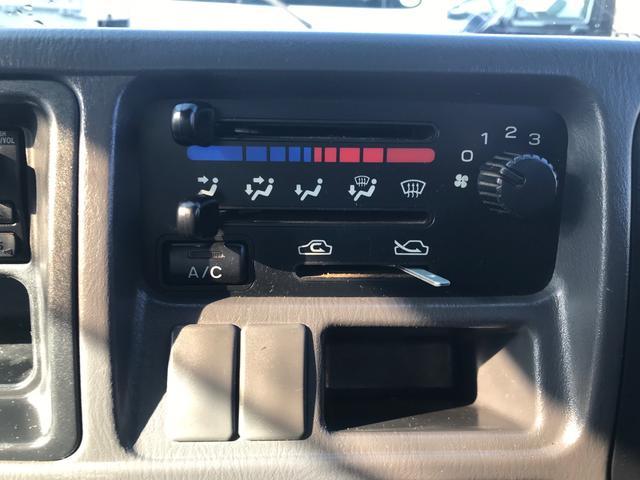 4WD AC MT 2名乗り シロ(17枚目)