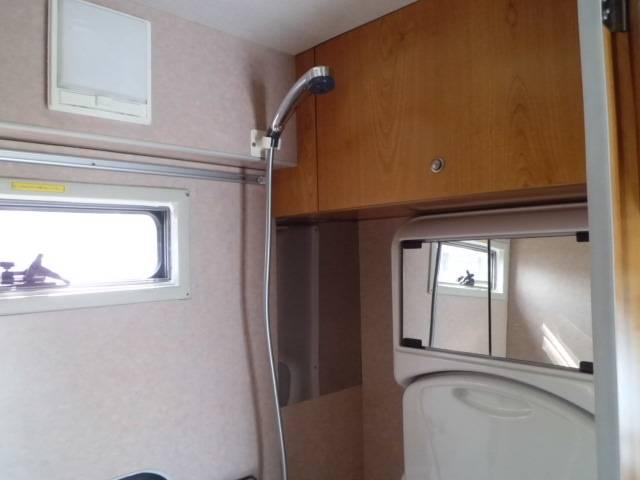 トヨタ カムロード バンテックジル ソーラーパネル FFヒーター トイレシャワー