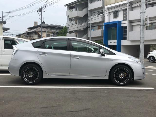 「トヨタ」「プリウス」「セダン」「広島県」の中古車8
