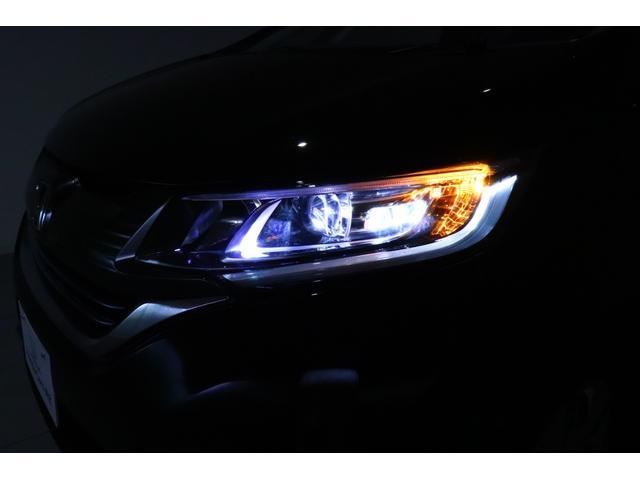アクティブコーナリングライトです!進行方向の内側を照らし視認性を向上させる機能です!ハンドル操作やウインカーと連動して点灯します!