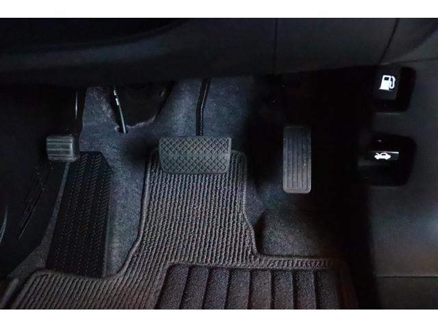 プレミアム ツアラー・Lパッケージ 禁煙車 ターボ車 HIDヘッドライト スマートキー クルコン Bluetoothオーディオ(17枚目)