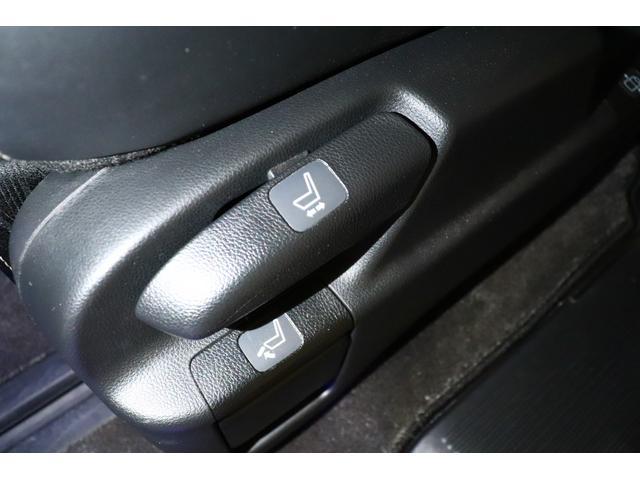 ハイブリッドアブソルート・ホンダセンシングEXパック ワンオーナー/ユーザー買取/ETC車載器/純正ナビゲーション/フリップダウンモニター/バックカメラ/純正ドライブレコーダー/HondaSENSING/LEDルームランプ/大型アームレスト(30枚目)