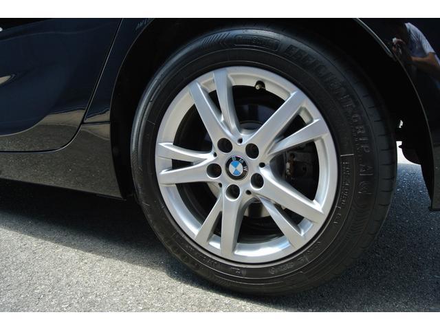 ホイールも綺麗な状態です。タイヤはランフラットタイヤを装着しております。