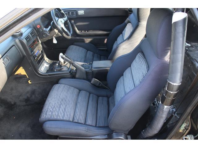 助手席シートは、目立つ破れなども無く、綺麗な状態を保っております。