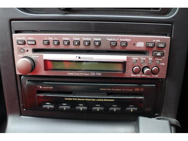 プレミアムオーディオのnakamichi CD-700(定価¥170,000)。を装着しております!音質に拘りつくしたお車となっております。
