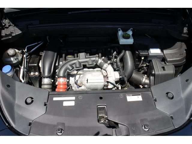 """搭載されている1.6リッター直噴""""ツインスクロール""""ターボエンジンは156psと24.5kgmを発生。メーカー公表の燃費(JC08モード)は11.3km/リッターです☆"""