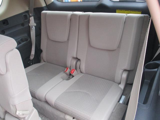 240S 4WD 7人乗り HDDナビ 全国12ヶ月保証付き(5枚目)