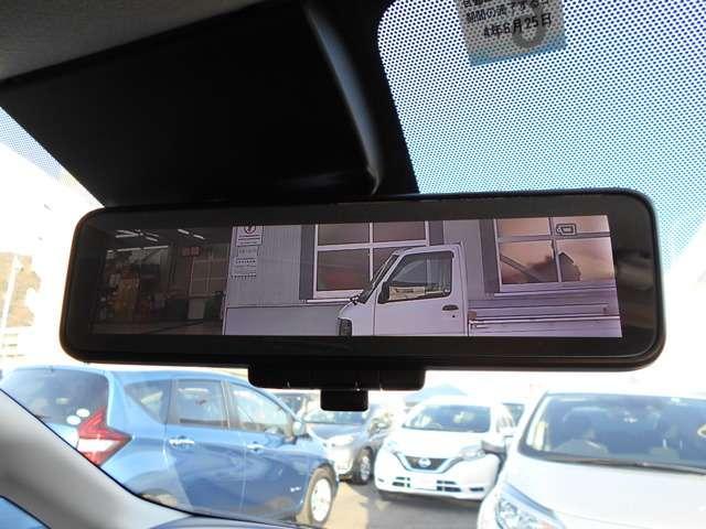 ☆インテリジェントルームミラーは車両後方のカメラ映像をミラー面に映し出すので車内の状況や、天候などに影響されず、いつでもクリアな後方視界が得られます☆