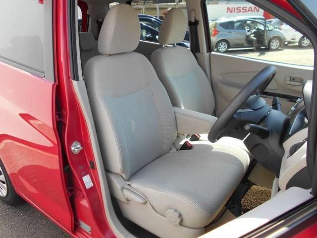 ♪落ち着いた基調のインテリアデザイン!ドライブは楽しく、気分も明るくなりますね♪