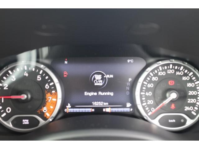 リミテッド ワンオーナー、認定中古車、アダプティブクルーズコントロール、キセノンヘッドライト、Bluetooth、ETC、オートエアコン、ブラックレザー、シートヒーター、ステアリングヒーター、(7枚目)