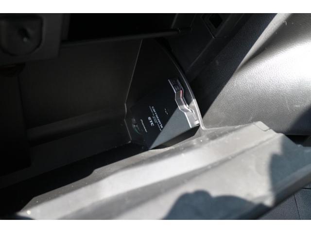 リミテッド ワンオーナー、認定中古車、アダプティブクルーズコントロール、キセノンヘッドライト、Bluetooth、ETC、オートエアコン、ブラックレザー、シートヒーター、ステアリングヒーター、(11枚目)