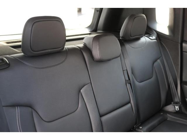 リミテッド ワンオーナー、認定中古車、アダプティブクルーズコントロール、キセノンヘッドライト、Bluetooth、ETC、オートエアコン、ブラックレザー、シートヒーター、ステアリングヒーター、(13枚目)