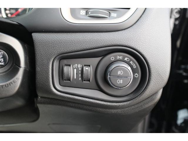 リミテッド ワンオーナー、認定中古車、アダプティブクルーズコントロール、キセノンヘッドライト、Bluetooth、ETC、オートエアコン、ブラックレザー、シートヒーター、ステアリングヒーター、(18枚目)