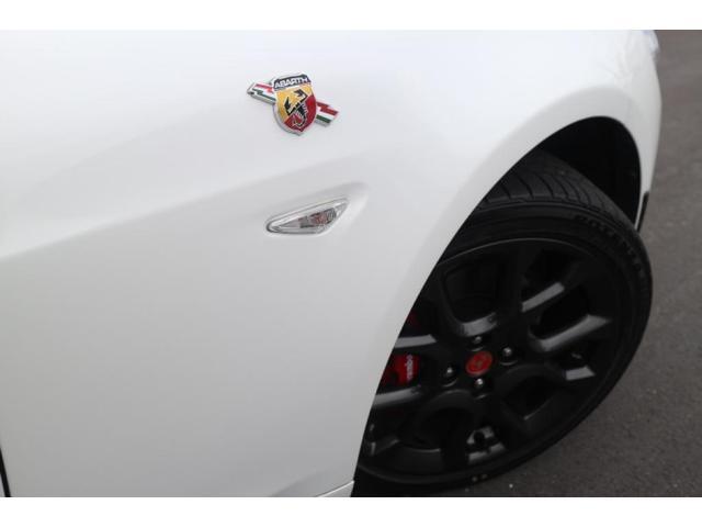 ベースグレード ワンオーナー・認定中古車・禁煙車・6速MT・レッドレザー・ナビゲーション・地デジ・ETC・ハーフボディカバー・走行10500km・パールホワイト(19枚目)