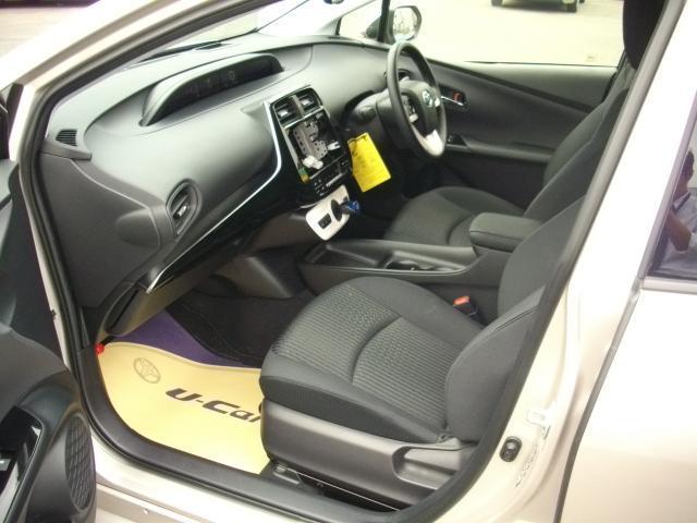 トヨタ プリウス Sセーフティプラス 試乗車UP セーフティーセンス付き