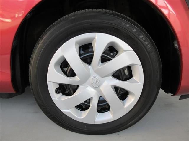シエンタG純正のスチールホイール+ホイールキャップを装備しております。タイヤサイズは185/60R15です。
