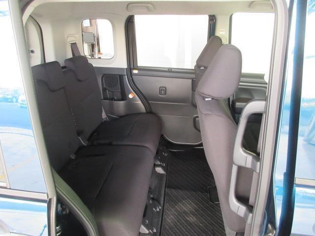 後席スペースも十分な広さを確保!