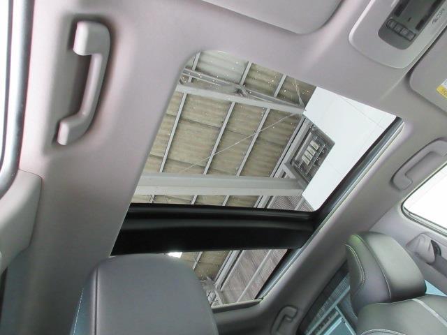 WSレザーパッケージ 革シート サンルーフ フルセグ メモリーナビ DVD再生 バックカメラ 衝突被害軽減システム ETC LEDヘッドランプ ワンオーナー(6枚目)