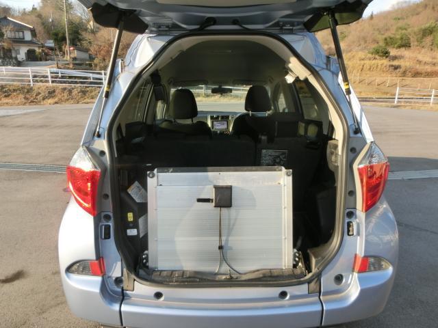 トヨタ ラクティス X ウェルキャブ 車高降下装置 スロープ付き