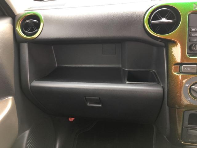 トヨタ bB S 4WD ベンチシート