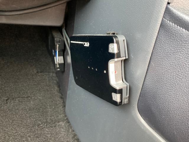 M 左側電動スライドドア TVナビ バックカメラ Bluetooth接続可 ETC スマートキー 3列シート ダブルエアコン(9枚目)