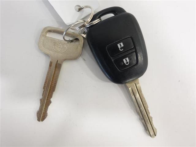 キーレスエントリー付です。キーのボタンでドアの開錠・施錠が出来ます。