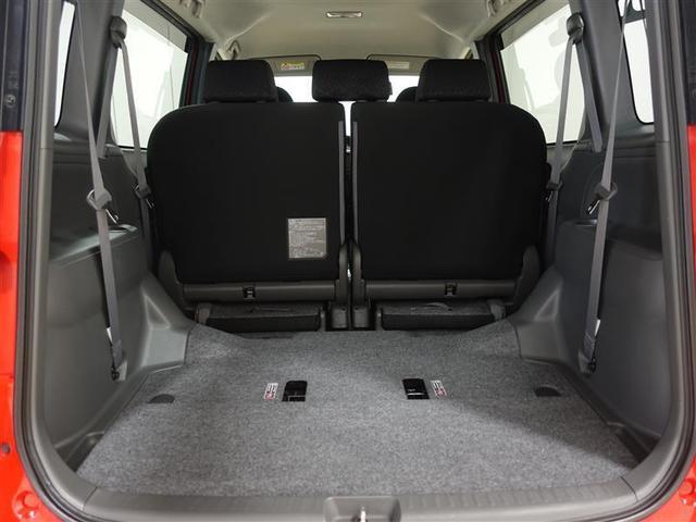 サードシートはセカンドシートの下に収納出来ますので、大きな荷物も搭載する事が出来ます!