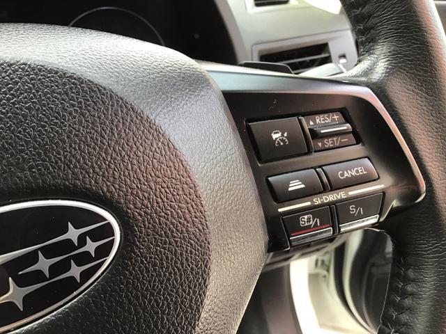 一定のスピードを自動で保ってくれるクルーズコントロール機能付き!高速道路でのロングドライブなどの疲労が違って来ます。非常に便利で役に立つ快適機能です!!