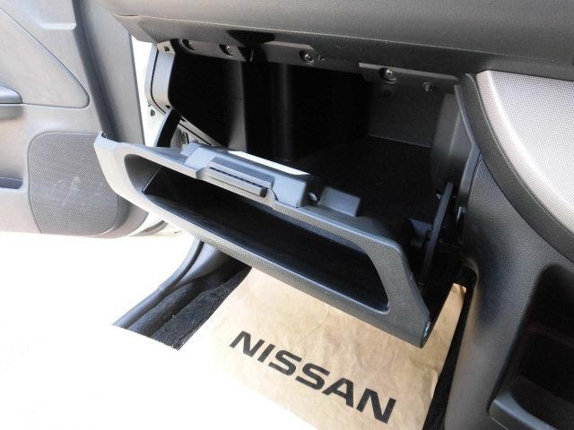 日産 ノート 15X FOUR 4WD 禁煙車 新品タイヤ 全国ロング保証