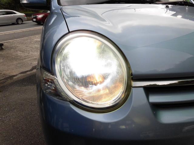 とても嬉しい純正ディスチャージヘッドライトを採用しております^^どんな暗闇も鋭く照らして貴方の視界を確保します^^