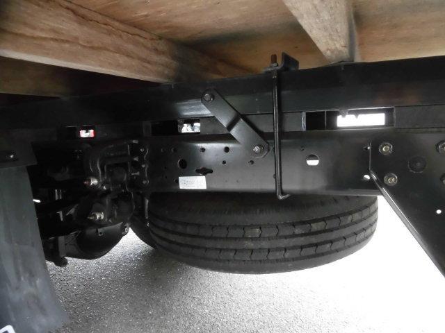 4t積み 高床 平ボディ ショート 3方開 荷台鉄板張り EZGO ワンオーナー 後期モデル 使用車種規制(NOx・PM)適合 180馬力ディーゼルターボエンジン 保証付(28枚目)