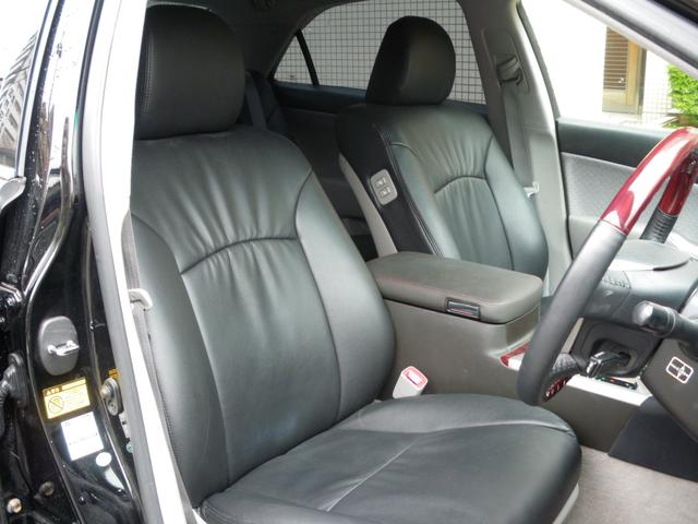 ゆったり乗れるフロントシートでドライブ快適!