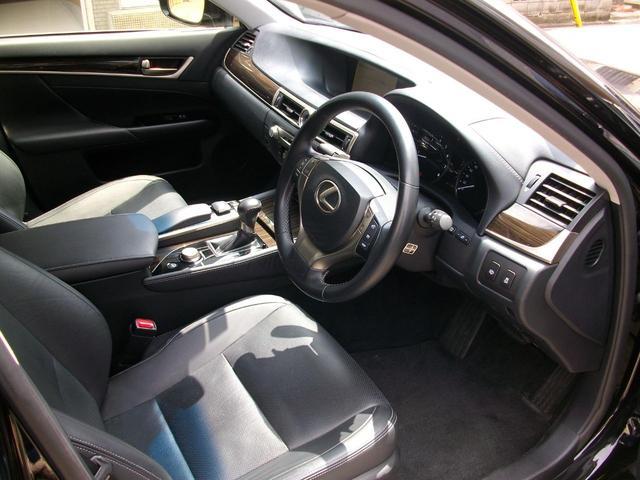 GS350 Iパッケージ 地デジ内蔵純正ナビ Bluetooth搭載 バックカメラ ETC 純正LEDライト 革シート スマートキー車 GOO鑑定車(17枚目)