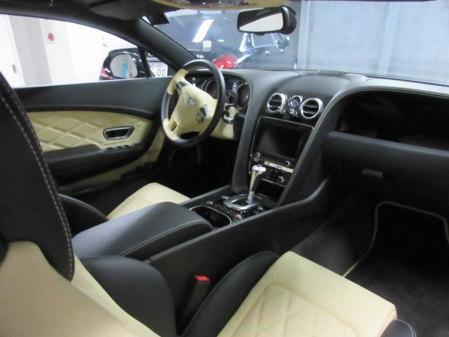ベントレー ベントレー コンチネンタル GT V8 S 4WD サンルーフ