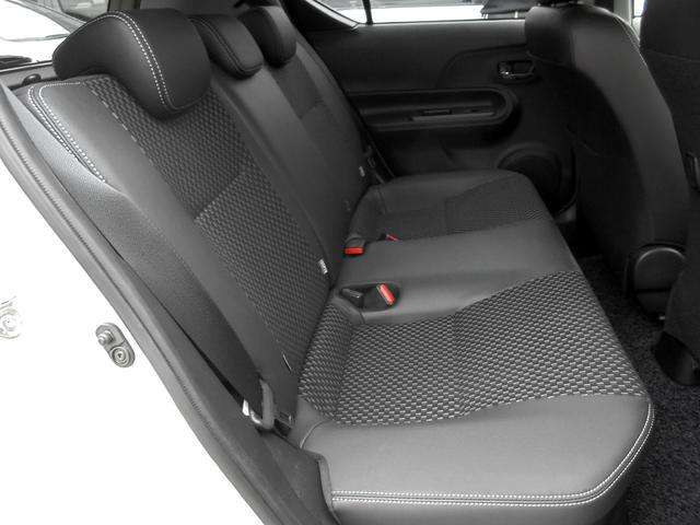 クロスオーバー トヨタセーフティセンス インテリジェントクリアランスソナー 純正ワンセグSDナビ LEDヘッドランプ&スマートエントリー&ナビレディ&ビューティパッケージ 純正アルミ ビルトインETC ワンオーナー車(4枚目)