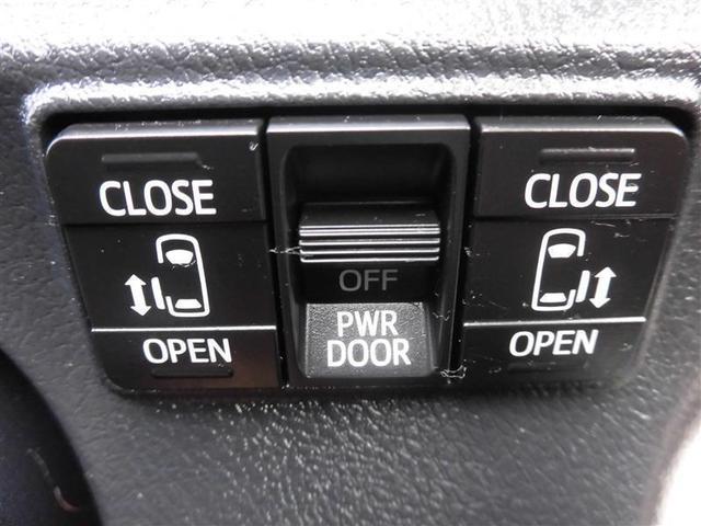 両側電動スライドドア☆重たいドアも狭い駐車場でも楽々開閉できます♪